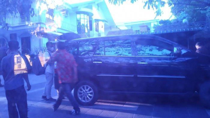 KPK Geledah Rumah Mewah Pengusaha Tanjungpinang, Begini Pengakuan Tetangga Pengusaha Berinisial HDS