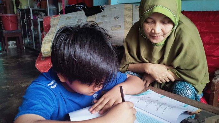 Orang Tua Siswa di Lingga Keluhkan Sekolah Daring, Ini Tanggapan Kepala Disdikpora