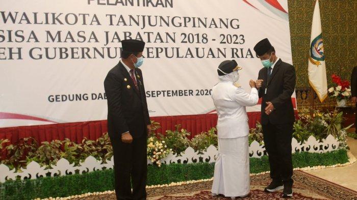 PELANTIKAN - Wali Kota Batam, Muhammad Rudi menghadiri pelantikan Wali Kota Tanjungpinang, Rahma, Senin (21/9/2020) di Gedung Daerah, Tanjungpinang.