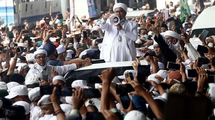 Tak Kapok Bikin Heboh, Habib Rizieq Hadiri Undangan Tablig Akbar ke Cianjur, Disambut Ribuan Jamaah