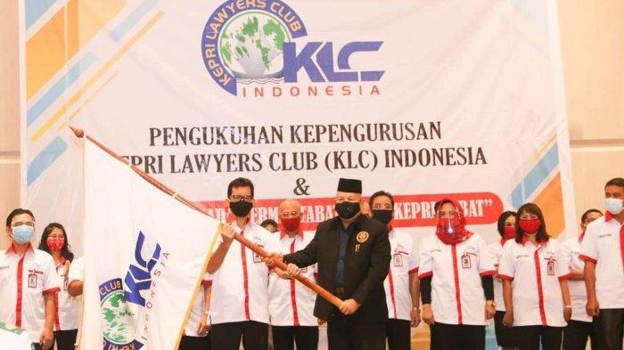 Pjs Walikota Batam Syamsul Bahrum Kukuhkan Pengurus KLC Indonesia