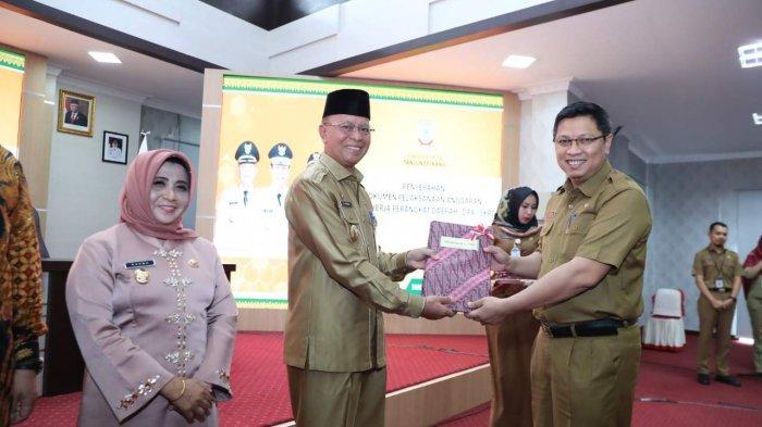 Bagikan DPA OPD Tanjungpinang, Wali kota Syahrul Ingin Pegawai Maksimalkan Kinerja