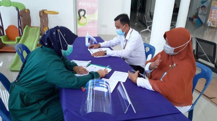 Vaksinasi corona dosis satu di Puskesmas Jabi, Kecamatan Nongsa, Kota Batam beberapa waktu lalu. Sebanyak 5.039 tenaga kesehatan (nakes) di Batam sudah menjalani suntik vaksin dosis dua.
