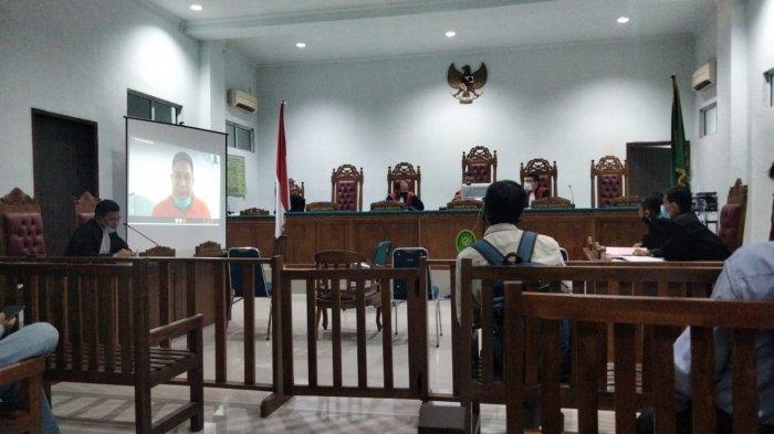 Korupsi di Dishub Batam - Rustam Efendi Jalani Sidang Perdana, Keberatan atas Dakwaan JPU