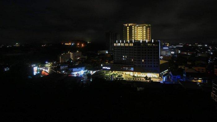 Pemandangan hotel-hotel di kawasan Pelita, Kota Batam selama masa pandemi Covid-19. Foto diambil dari Seraya Atas pada 4 Juni 2020.