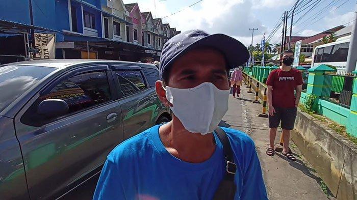 M. Hafiz, warga yang ikut antre mendapatkan vaksin covid-19 di Tanjungpinang, Kamis (22/7/2021)
