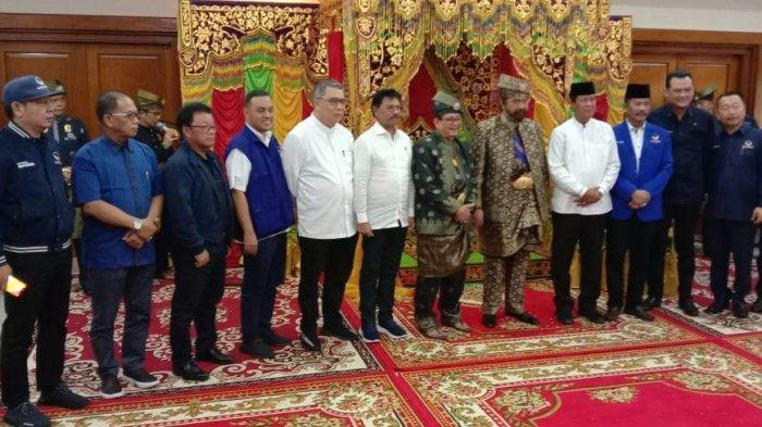 Ketum Nasdem Surya Paloh Dapat Gelar Dato Sri Setia Wangsa dari LAM Batam