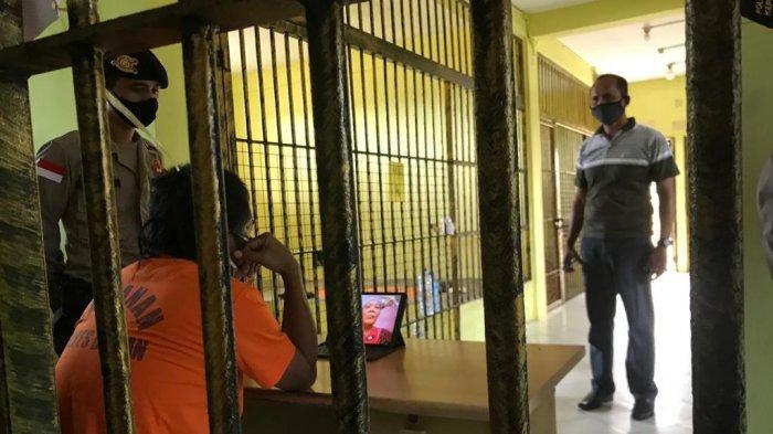 Ramadhan di Balik Jeruji, Tahanan Polres Bintan Minta Maaf ke Orang Tua Lewat Video Call