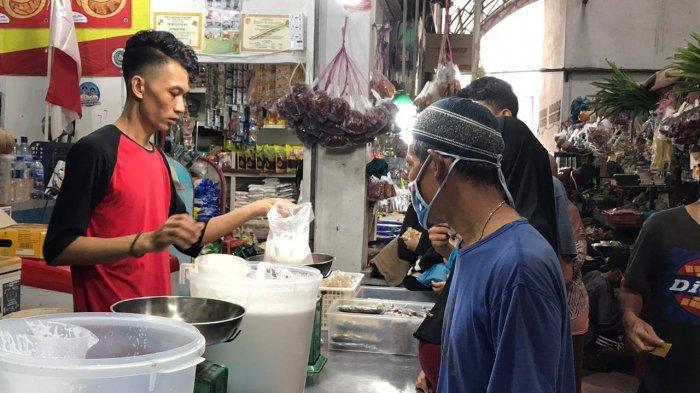 H-1 Lebaran, Warga Padati Pasar Tiban Center Batam, Tak Jaga Jarak dan Pakai Masker