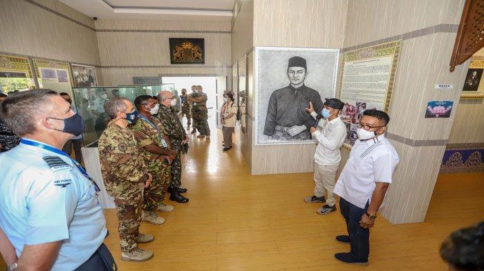 23 Atase Pertahanan Negara Sahabat Berkunjung ke Museum Batam Raja Ali Haji