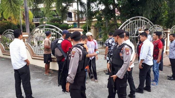 KPK Geledah 5 Lokasi, Febri Diansyah: Termasuk Rumah Kock Meng dan Pejabat Protokol Gubernur Kepri