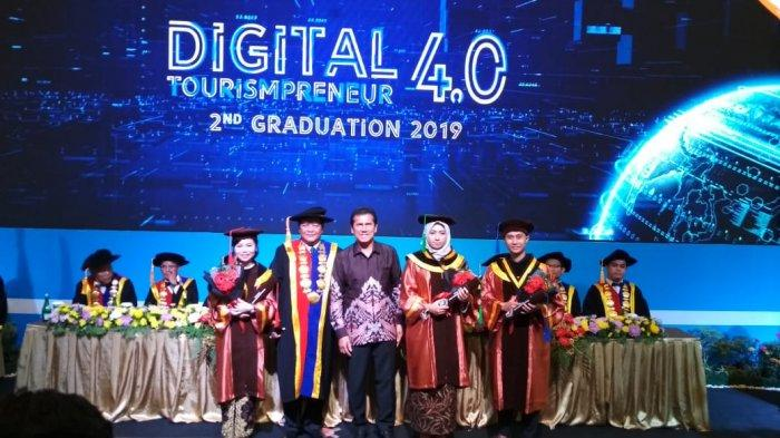 Batam Tourism Polytechnic Mewisuda 36 Mahasiswanya, Buka Peluang Karir di Seluruh Dunia