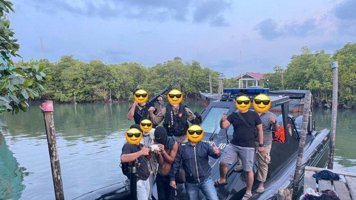 Ditpolairud Polda Kepri mengamankan tersangka JLN bersama barang bukti narkotika sabu, Rabu (24/2/2021)