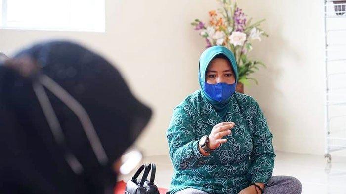Ketua Dekranasda Maratusholiha Ingin Tudung Manto Tetap Dilestarikan di Lingga