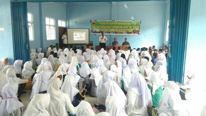 Ingin Putus Jaringan Peredaran Narkoba di Karimun. Satgas TMMD 2015 Sosialisasi ke Pelajar