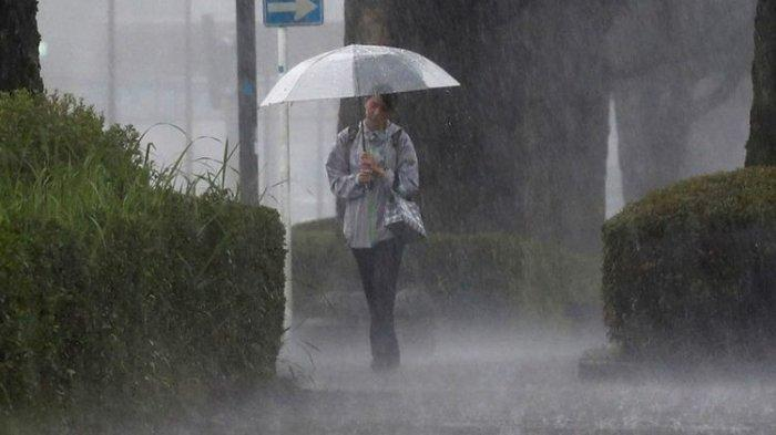 Sumatra and Kalimantan are Predicted to Experience Heavy Rain Today, October 2, 2021