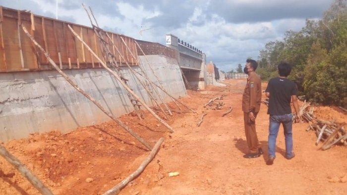 Terkesan Asal Jadi, Pejabat BP Bintan Cek Pemeliharaan Jembatan Tanah Merah, Hasilnya?