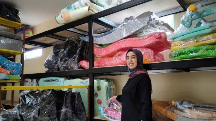 KISAH Fitriannisa, Rela Tinggalkan Karier Demi Sewakan Mainan Anak, Kini Raup Puluhan Juta Rupiah