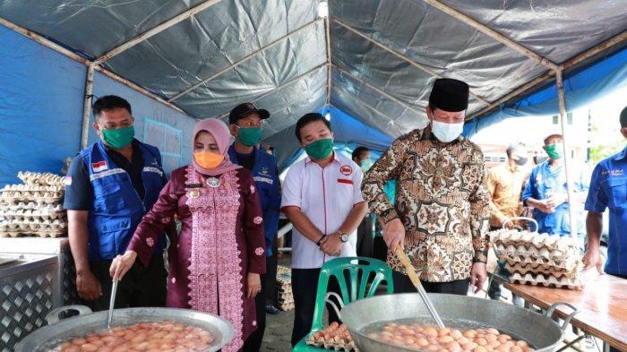 Siapkan 2.000 Nasi Bungkus Sehari, Dapur Umum di Tanjungpinang Ini Bantu Masyarakat Terdampak Corona