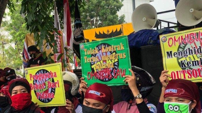PHK Massal di BATAM, Jadwal Mediasi Buruh dan Perusahaan Ngantre di Disnaker, Pekerja Minta Pesangon