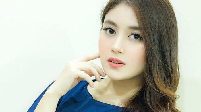 Penampilan Baru Nabilah Ayu Eks JKT48, Dikenal Gegara Gigi Gingsul Manis Kini Mantap Berhijab