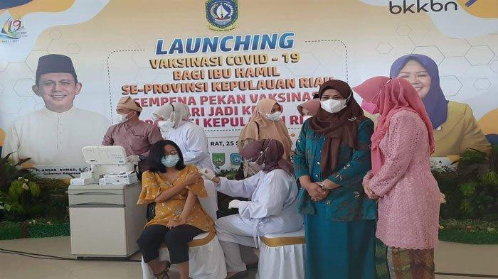 GESA Target Vaksinasi, Lurah di Bintan Berikan Hadiah kepada Warga Penerima Vaksin