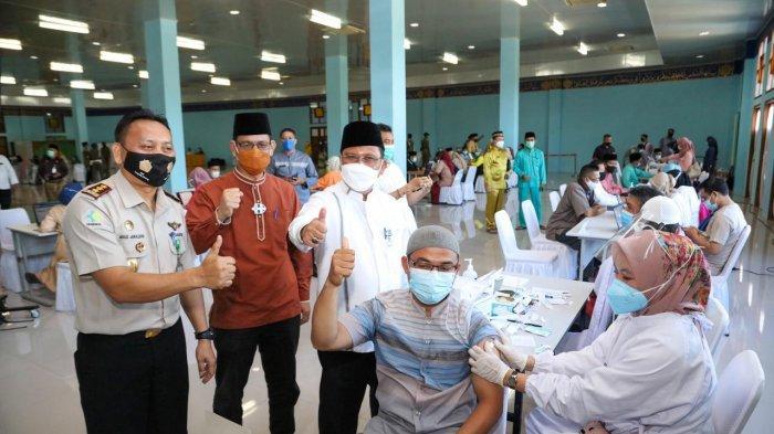Jelang Ramadhan 2021, Imam Bilal dan Mubaligh di Tanjungpinang disuntik vaksin corona, Jumat (26/3/2021)