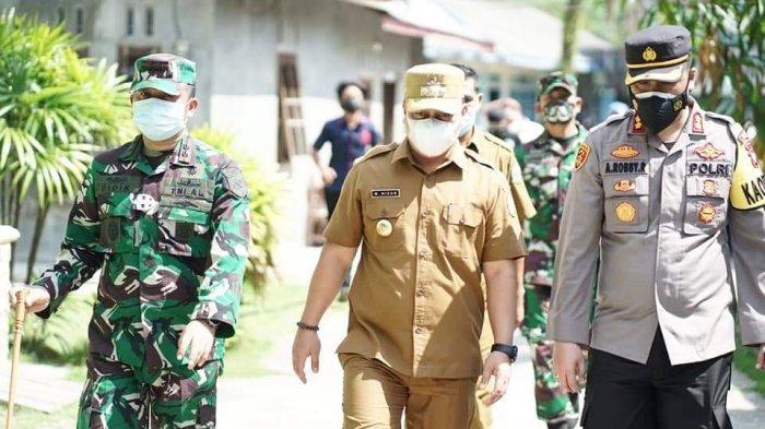 Bupati Lingga Tinjau Posko PPKM di Kecamatan Singkep, Nizar: Cukup Efektif
