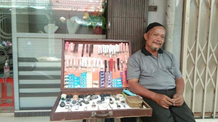 Kisah Perantau Sahrial Si Tukang Reparasi Jam Bertahan Hidup saat Pandemi Corona