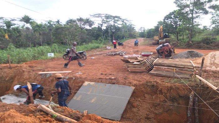 Warga Desa Lancang Kuning Bintan Gembira, Jalan Kampung Sei Jeram segera Diaspal