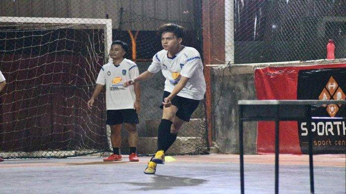 Tim Futsal Kepri saat menjalani latihan rutin jelang PON XX Papua digelar.