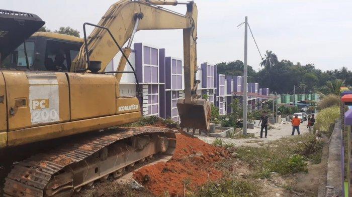 Perusahaan BUMN di Karimun Ini Akhirnya Buka Jalan ke Perumahan Warga Setelah Ditutup dengan Tembok