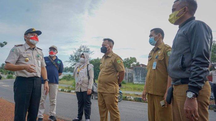 Pihak KKP Tanjungpinang bersama Bupati Lingga, Muhammad Nizar saat mengunjungi Kecamatan Singkep, Kabupaten Lingga, Rabu (25/8/2021)