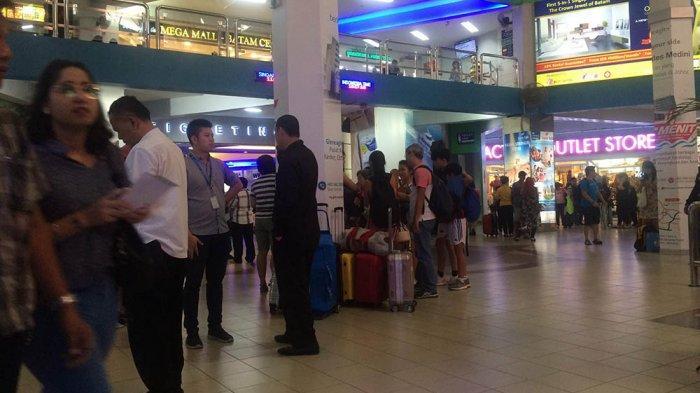 Holiday Season, Batam International Port Crowded by Visitors