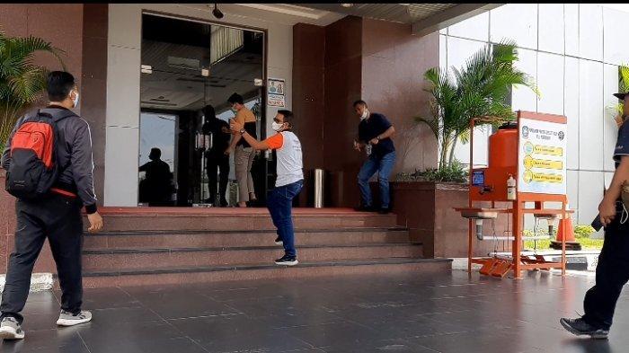 SIANG Ini, Bupati Bintan Apri Sujadi Terbang ke Jakarta, Begini Reaksinya saat Disinggung soal KPK