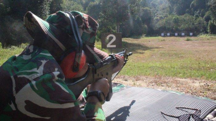 TNI-Polri di Karimun Gelar Latihan Menembak, Tingkatkan Kemampuan Anggota di Lapangan