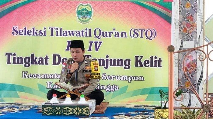 Briptu Yoan Afdinal saat ikut berpartisipasi dalam STQ di Lingga, tingkat Desa Tanjung Kelit, Kecamatan Katang Bidare