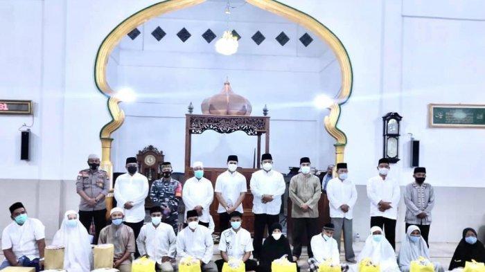 Safari Ramadhan Bupati Anambas, Datangi 2 Masjid di Jemaja, Ingatkan Warga Waspada Covid19