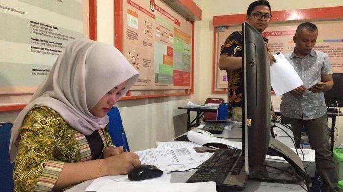 Cek Berkas Rian Ernest, KPU Batam Kerahkan 23 Petugas, Periksa Berkas Calon Independen Pilwako