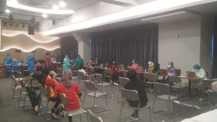 Manajemen Mega Mall Gelar Vaksinasi Covid-19 Bagi Karyawan Mal, Tenant, Hingga Pemilik Toko