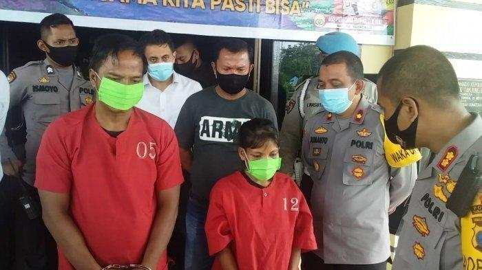 Pasutri Safrizal dan Nurselamah saat ditanyai Kapolres Tanjungbalai, AKBP Putu Yudha Prawira, Senin (26/10/2020). Keduanya ditangkap dalam kasus perampokan sebuah rumah di kawasan Pantai Amor, Kota Tanjungbalai pada Sabtu (24/10/2020)
