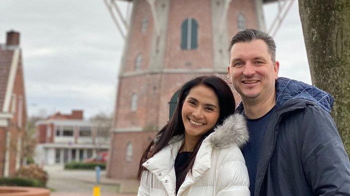 20 Tahun Disimpan Rapat-rapat, Ini Potret Pernikahan Maudy Koesnaedi dan Presdir Telkom, Erik Meijer