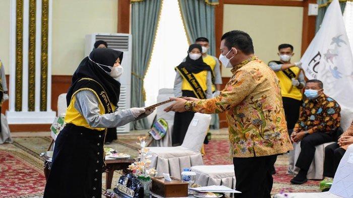 Gubernur Kepri, Ansar Ahmad saat Peringatan Hari Anak Nasional Tingkat Provinsi Kepulauan Riau Tahun 2021 di Gedung Daerah, Tanjungpinang, Kamis (29/7/2021).