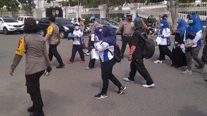 Polisi Bubarkan Paksa Demo Buruh di Batam Demi Tekan Covid-19, Kapolres Langsung Turun Tangan