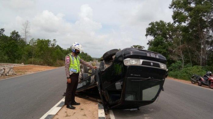 Pikap Oleng hingga Terbalik di Jalan Lintas Timur Bintan, Sopir Selamat, Ini Kata Polisi