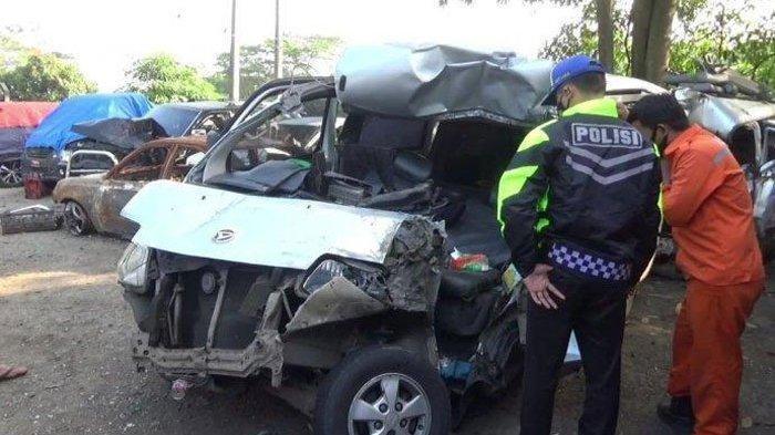 Satu Penumpang Tewas Terpental dari Dalam Mobil Granmax di Tol Cipularang Km 78