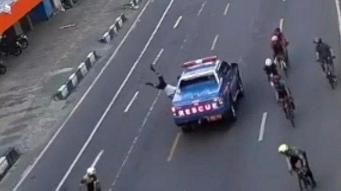Fakta Baru Mobil Resque Pelat Merah Tabrak Lari Pesepeda di Makassar