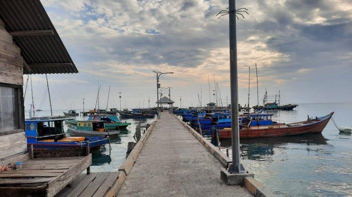 CUACA di Natuna Buruk, Nelayan Enggan Melaut, Yanto : Gelombang Tinggi Ikan tak Makan Umpan
