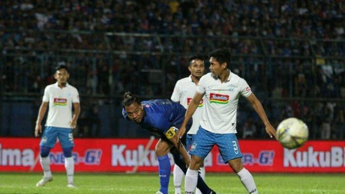AREMA FC Gagal Raih Poin Penuh Lawan PSIS Semarang, Skor Berakhir Seri dan Diwarnai Kartu Merah