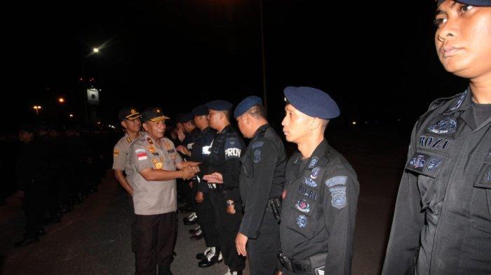 252 Personil Brimob Polda Kepri Diberangkatkan Wakapolda Kepri ke Papua Barat